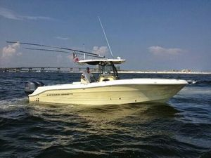 Used Hydra-Sports Vector 3000 Express Cruiser Boat For Sale