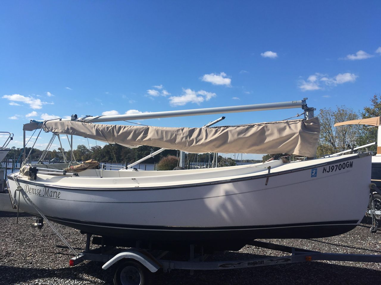 2008 Used Com-Pac Sun Cat Daysailer Sailboat For Sale