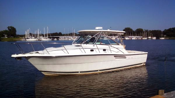 Used Pursuit 3400 Express Sports Cruiser Boat For Sale