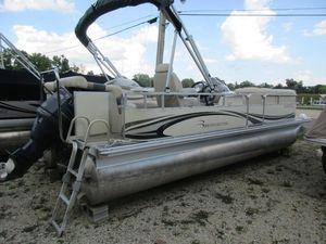 Used Bennington 2254RL2254RL Pontoon Boat For Sale