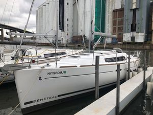 Used Beneteau Oceanis 34 Cruiser Sailboat For Sale