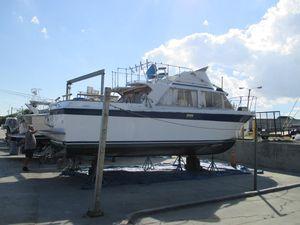 Used Uniflite 31 Fly Bridge Flybridge Boat For Sale
