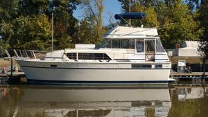 Used Chris-Craft 41 Commander Motor Yacht For Sale