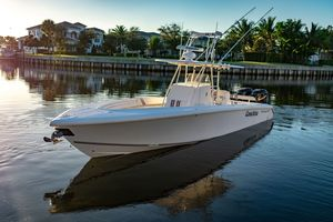 Used Island Runner CC Center Console Fishing Boat For Sale