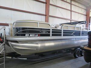 Used Sun Tracker Spb22 DX Pontoon Boat For Sale
