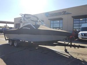 Used Mb Sports B52Sports B52 Ski and Wakeboard Boat For Sale