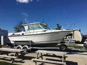 Used Baha Cruisers 251 GLE251 GLE Freshwater Fishing Boat For Sale