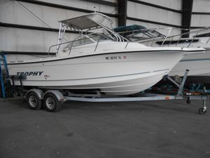 Used Trophy 2352 Walkaround Freshwater Fishing Boat For Sale