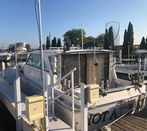 Used Pacemaker 32 Freshwater Fishing Boat For Sale