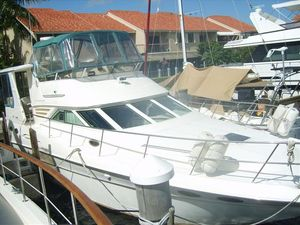 Used Sea Ray 420 Aft Cabin MY Motor Yacht For Sale