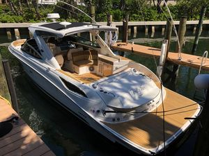 Used Sea Ray 350SLX Bowrider Boat For Sale