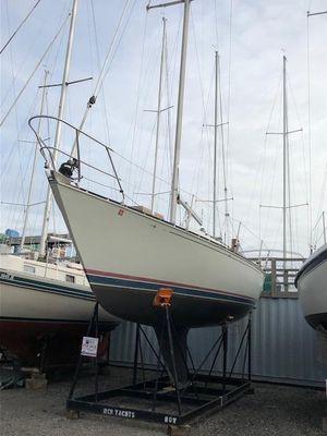 Used C&c 32 Cruiser Sailboat For Sale