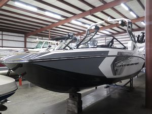 New Nautique Super Air Nautique G21 High Performance Boat For Sale