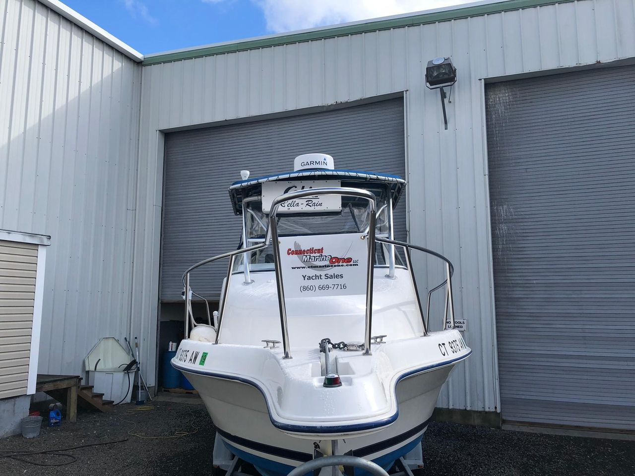 2001 Used Cobia 230 Walk-around Saltwater Fishing Boat For