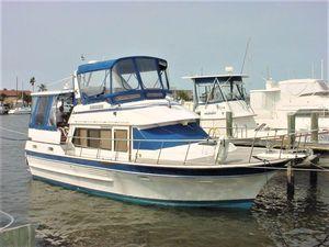 Used Vista 37 Sundeck Trawler Boat For Sale