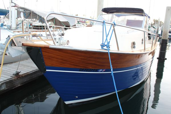 Used Apreamare 10 Cabinato Cruiser Boat For Sale