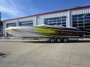 Used Black Thunder 46 SC High Performance Boat For Sale