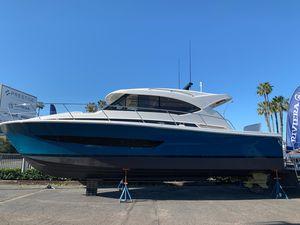 New Riviera 395 SUV395 SUV Sports Cruiser Boat For Sale