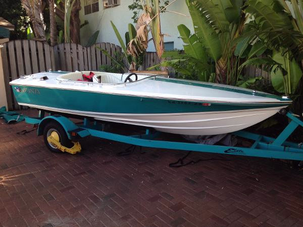 Used Donzi Sweet 16 Runabout Boat For Sale