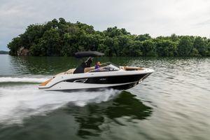 New Sea Ray SLX 230 Cruiser Boat For Sale