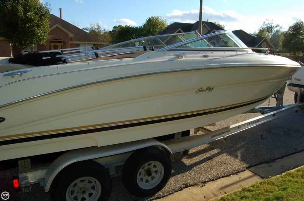 2001 Used Sea Ray 230 Signature Bowrider Boat For Sale