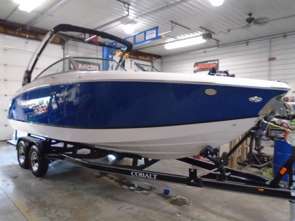 2019 New Cobalt Boats R5Boats R5 Ski and Wakeboard Boat For