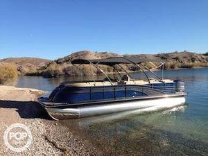 Used Bennington 2550 QCL Pontoon Boat For Sale