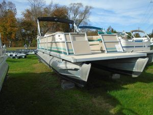 Used Crest II DLXCREST II DLX Pontoon Boat For Sale
