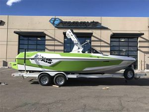 New Axis Wake Research T23Wake Research T23 Ski and Wakeboard Boat For Sale