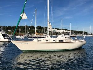Used Sabre 34 MKI Cruiser Sailboat For Sale