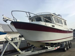 Used Seasport Navigator 2700 Saltwater Fishing Boat For Sale
