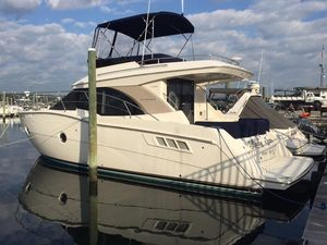 Used Carver C34 Motor Yacht For Sale