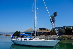 Used Hylas MK II Center Cockpit Cruiser Sailboat For Sale