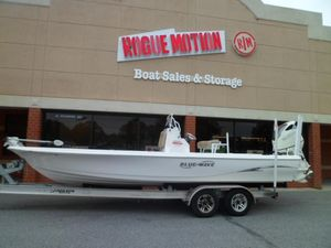 Used Blue Wave 2400 Purebay Saltwater Fishing Boat For Sale
