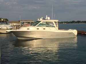 Used Boston Whaler 345 Conquest Center Console Fishing Boat For Sale