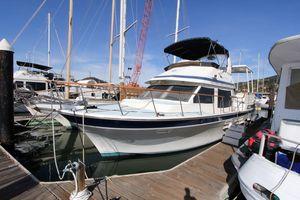 Used Kha Shing Aft Cabin Sundeck Motor Yacht For Sale