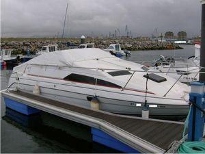 Used Bayliner 2655 Express Cruiser Boat For Sale