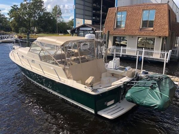 Used Mainship 34 Pilot Express Cruiser Boat For Sale