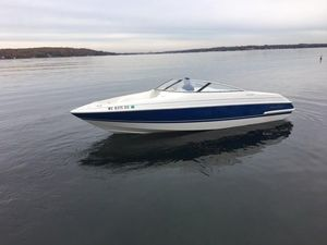 Used Chris-Craft 23 Concept Bowrider Boat For Sale