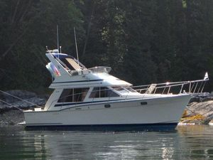 Used Tollycraft 34 Sport Sedan Cruiser Boat For Sale