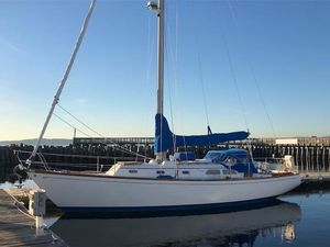 Used Hinckley 38 Racer and Cruiser Sailboat For Sale