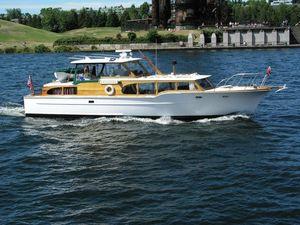 Used Mcqueen Bridgedeck Tricabin Aft Cabin Boat For Sale