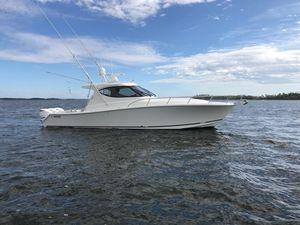 Used Jupiter 41 Sport Bridge Express Cruiser Boat For Sale