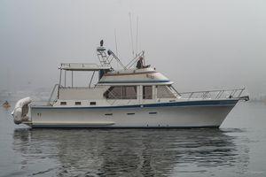 Used Pt Cockpit MY W/sundeck Motor Yacht For Sale