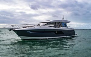 New Prestige 520 S520 S Flybridge Boat For Sale