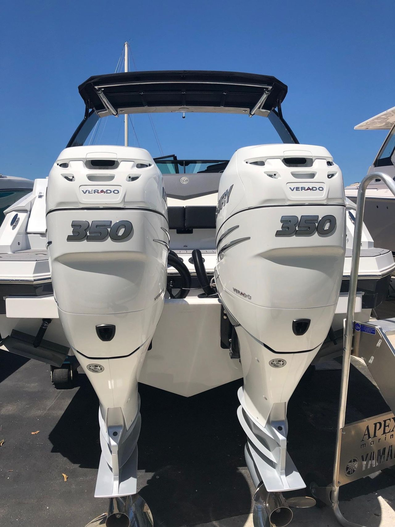 2019 New Cruisers Yachts 338ob Bowrider Boat For Sale
