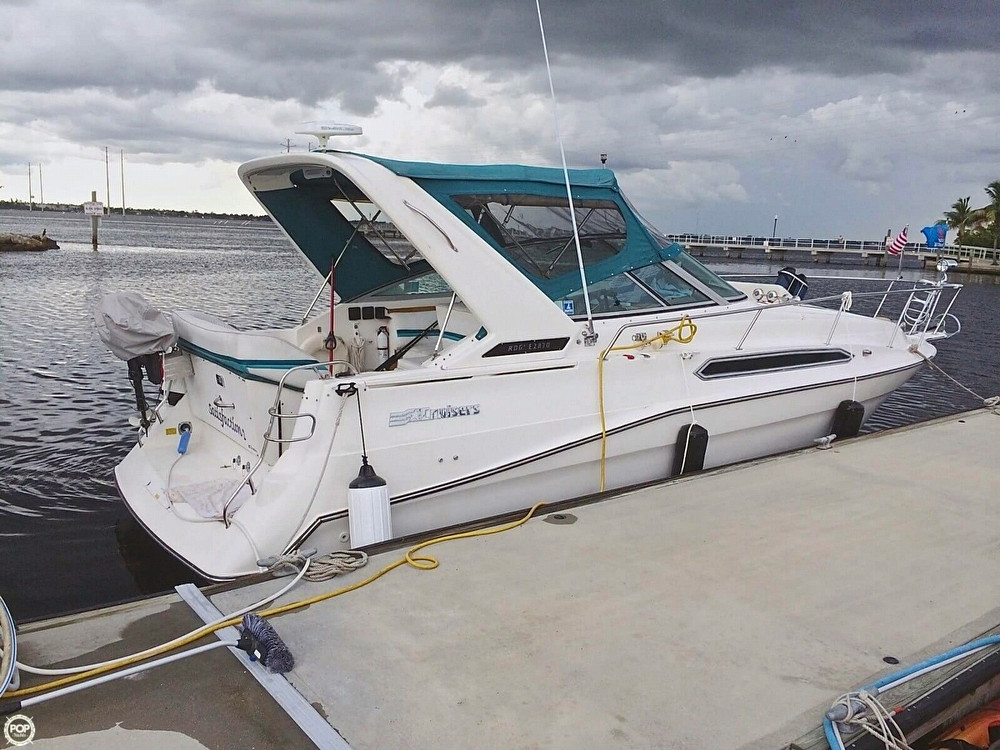 Used Cruisers Yachts 2870 Rogue Express Cruiser Boat For Sale