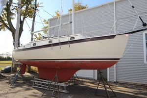 Used Com-Pac 27 Cruiser Sailboat For Sale