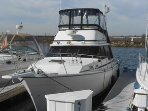 Used Bayliner 3270 Explorer Motor Yacht For Sale