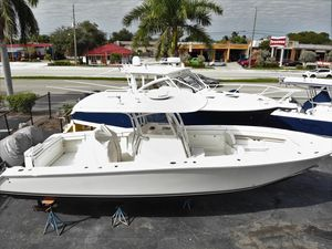 Used Jupiter 34 HFS Center Console Fishing Boat For Sale